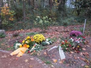 November 2014 – Die ersten Gräber: Barbara Meisner und Hilde Heringer